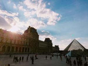10月のパリの空 その1