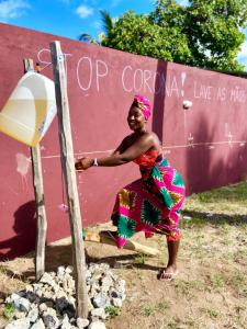 村の手洗い場 Tippy Tap