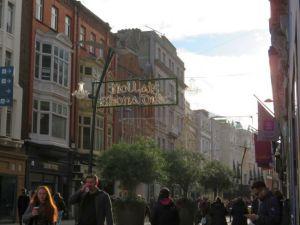 クリスマス前に一時的に賑わったダブリンの中心街
